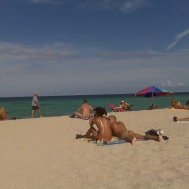 Nudist Bilder am Strand